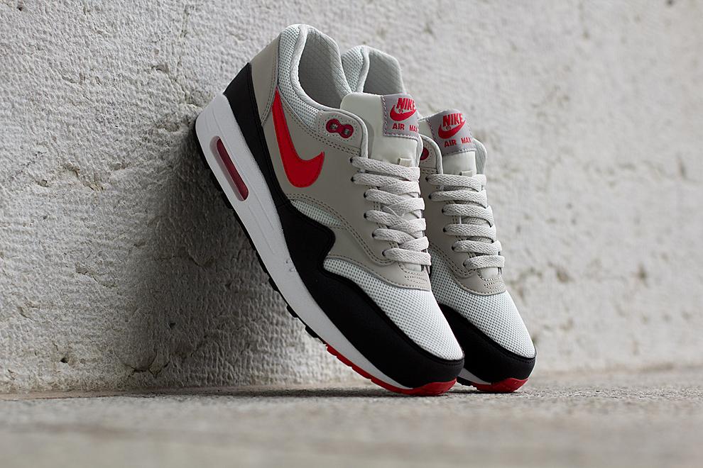 the latest 2dcdc 359b3 Nike Air Max 1 Essential