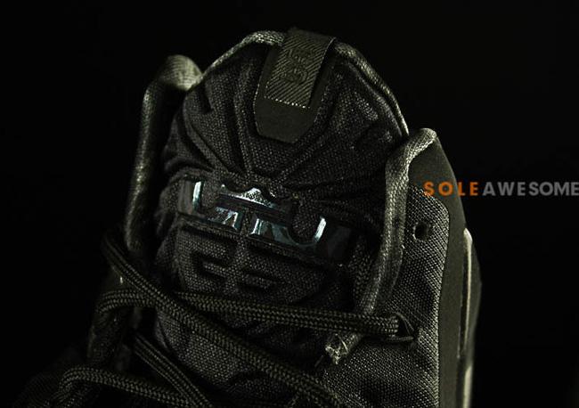 4bb857ae15a38 Nike LeBron 11