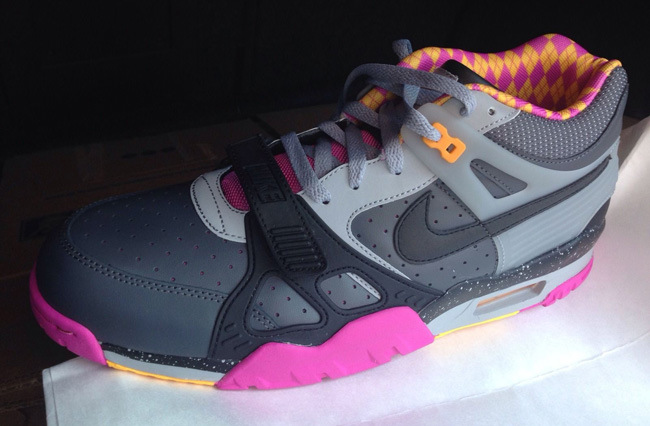 e0d1fe390a8c9 ... Nike Air Trainer 3 Bo Knows Horse Racing (Preview .