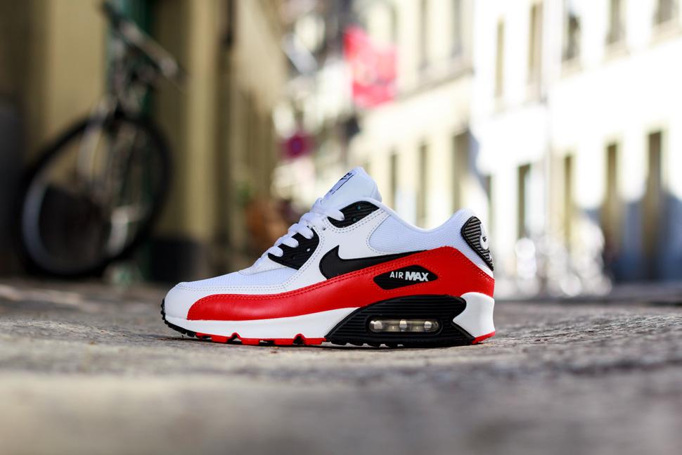 huge discount 357ec 54885 Nike Air Max 90 Essential  Light Crimson  - OG EUKicks Sneaker Magazine