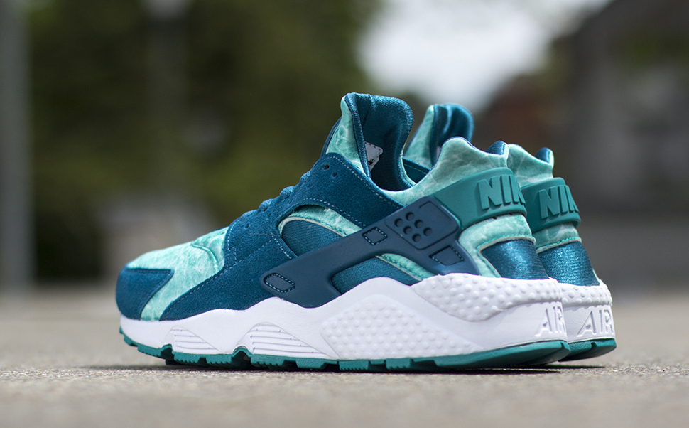 low priced 77bb5 e70ef air huarache green abyss