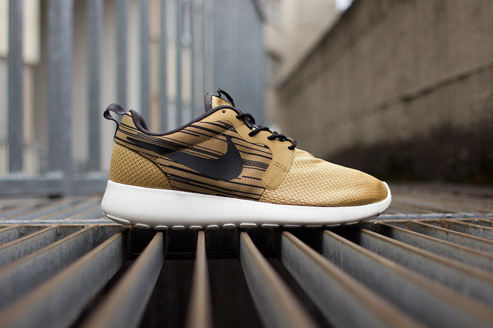 new product a0a01 6952c Nike Roshe Run Hyperfuse