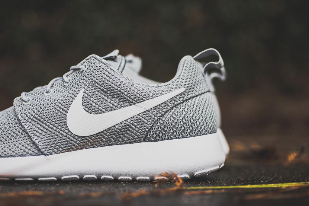 7ef4f4c73cfe Nike Roshe Run