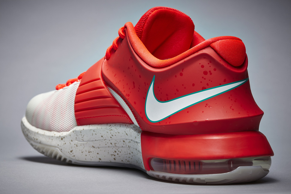 Nike Basketball Christmas 2014 Pack: KD VII, Kobe 9 Elite & LeBron ...
