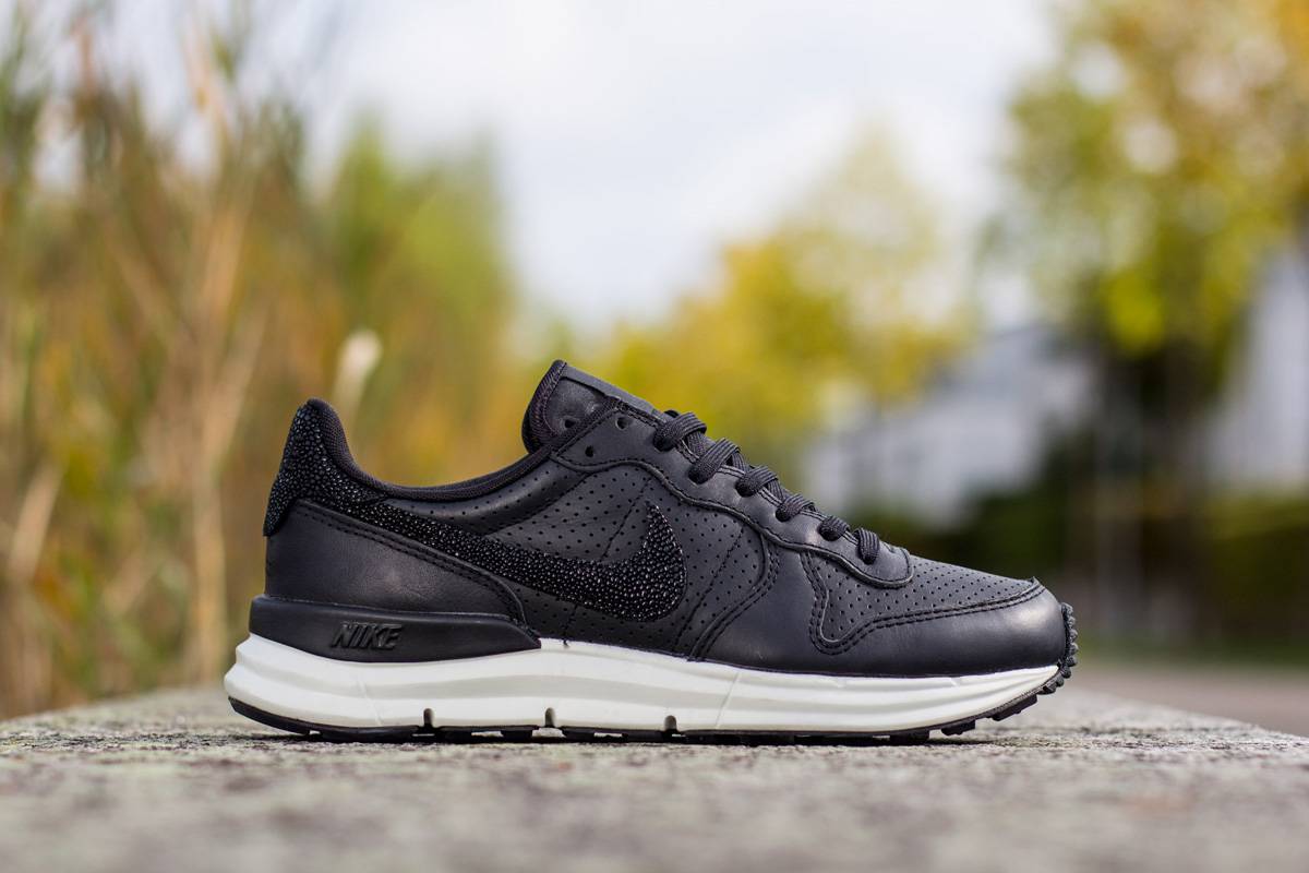 2d4942d049 Nike Lunar Internationalist PA