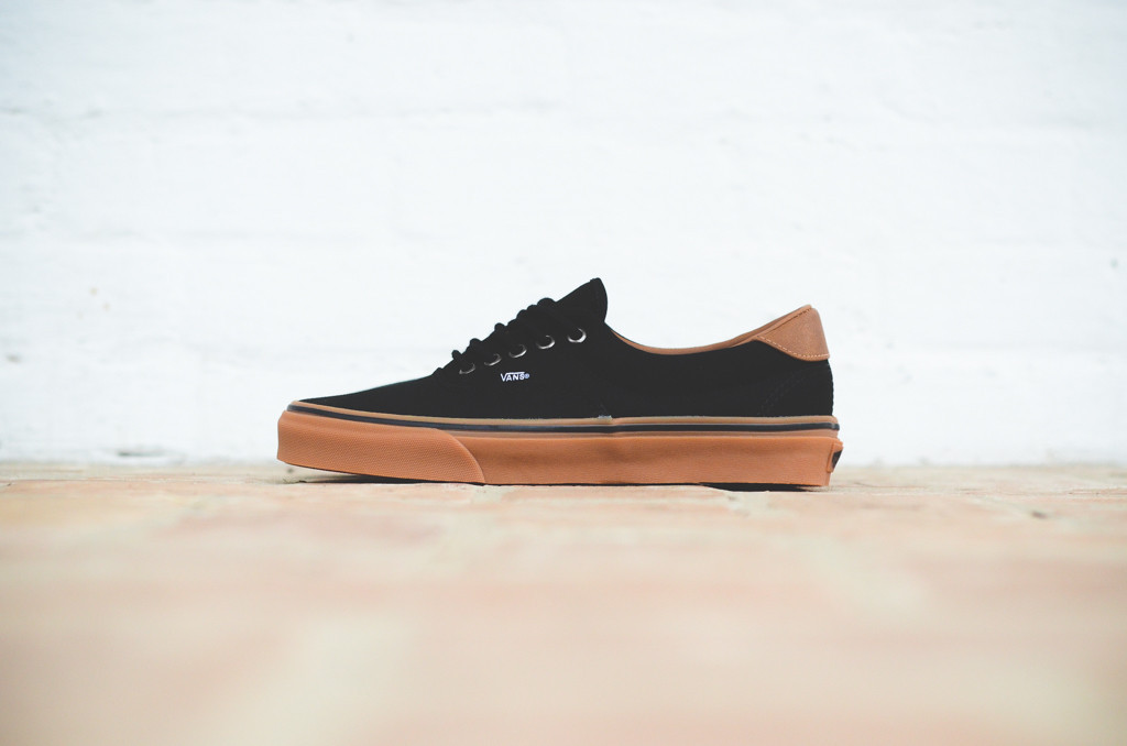vans era gum sole black