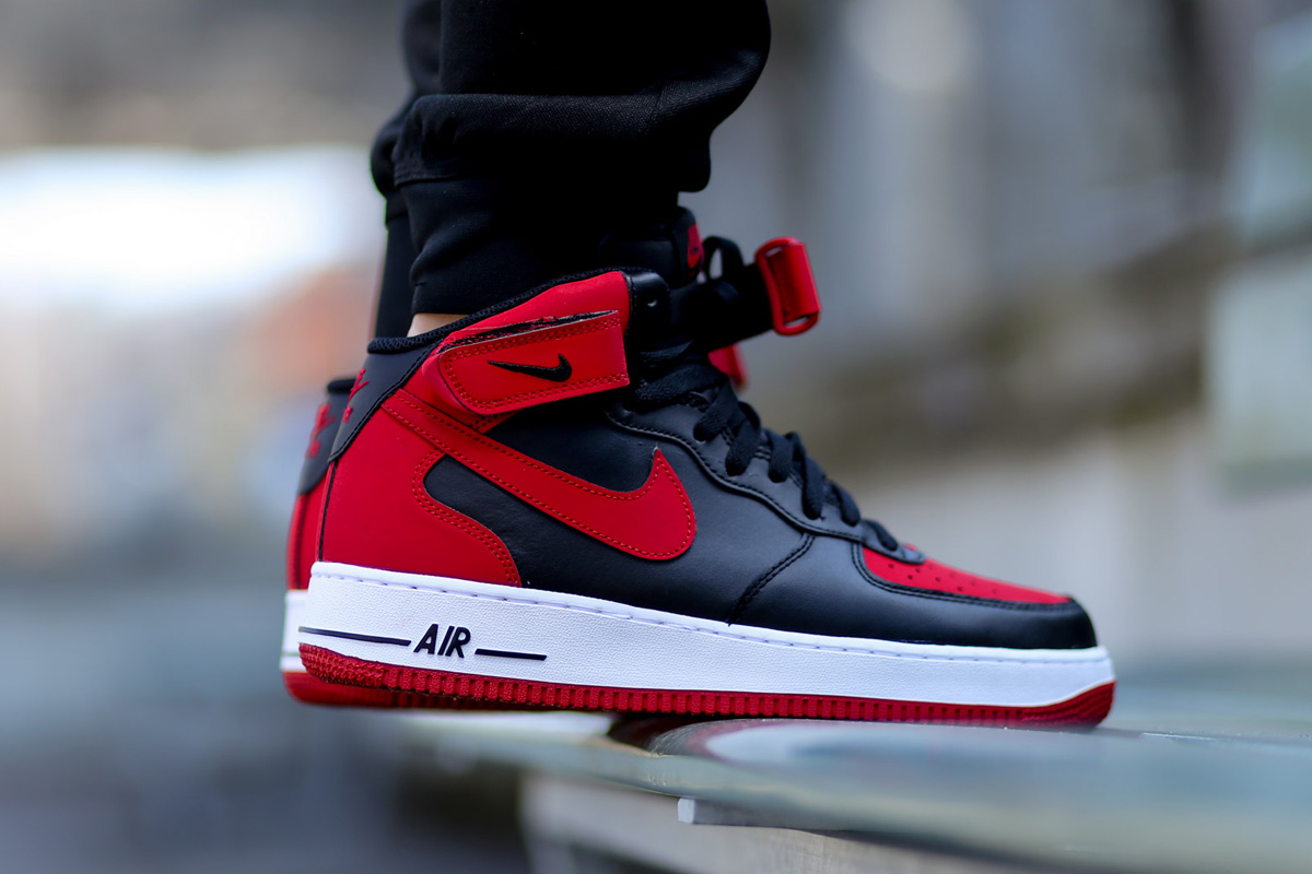pretty nice 9eb07 3299d red and black nike air force 180 high tops