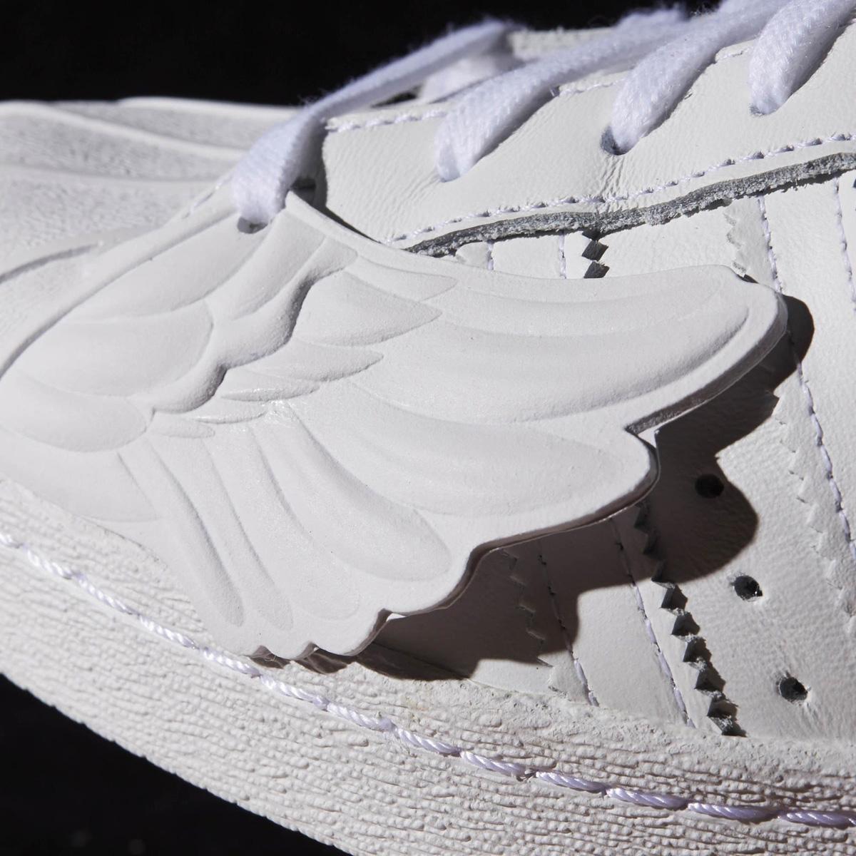 Jeremy scott x adidas superstar ali ue calci: scarpe da ginnastica magazine