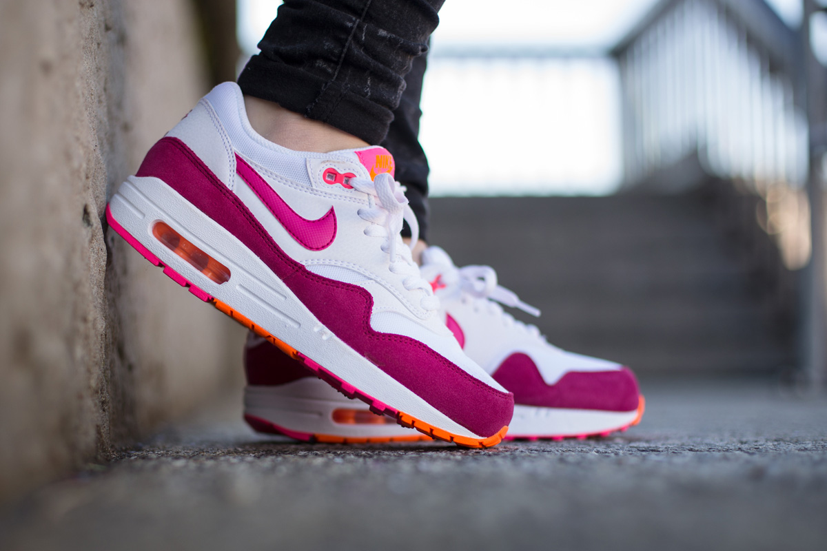 size 40 985f4 91db4 ... white fireberry pink powder total orangenike air max iinike huarache  run ultradiscount shop 497d1 2a472  discount nike wmns air max 1 essential  a93ae ...