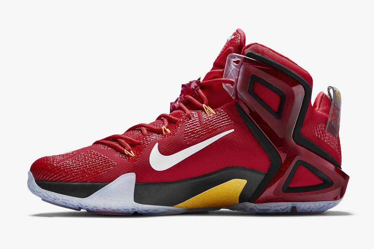7dfff4274920 Nike LeBron XII Elite