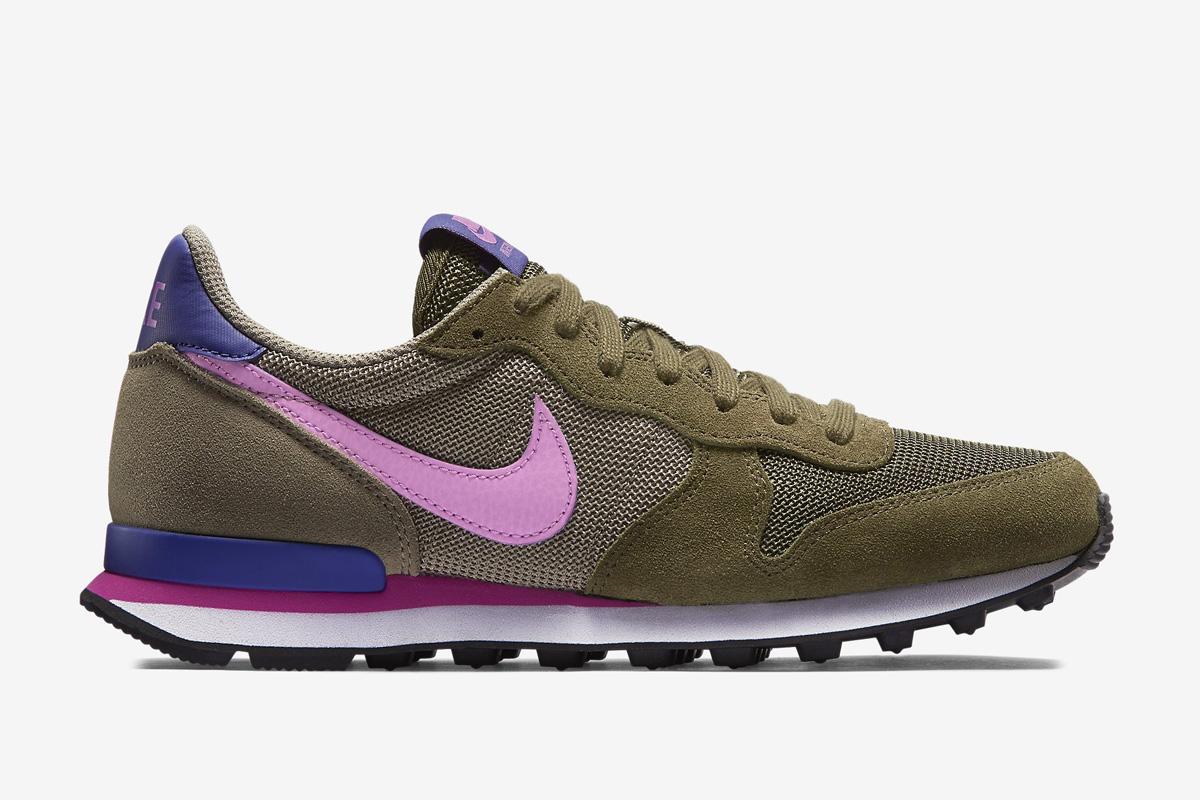 Nike Internationalist OliveFuchsia Glow Pink