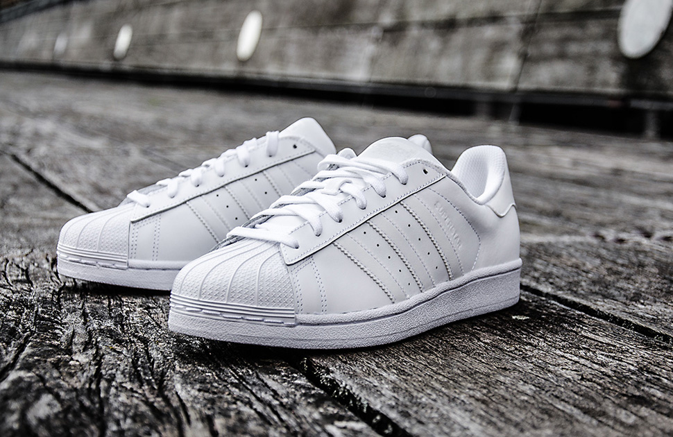 the latest ff333 26d3e adidas Superstar Foundation
