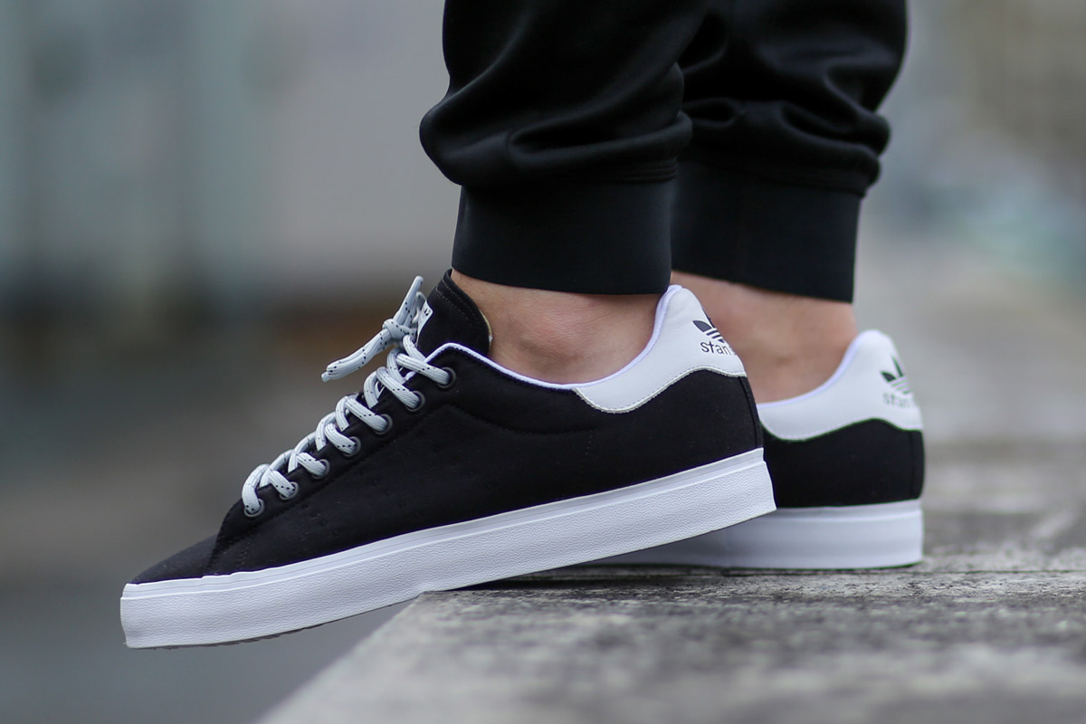 adidas stan smith shoes black and white