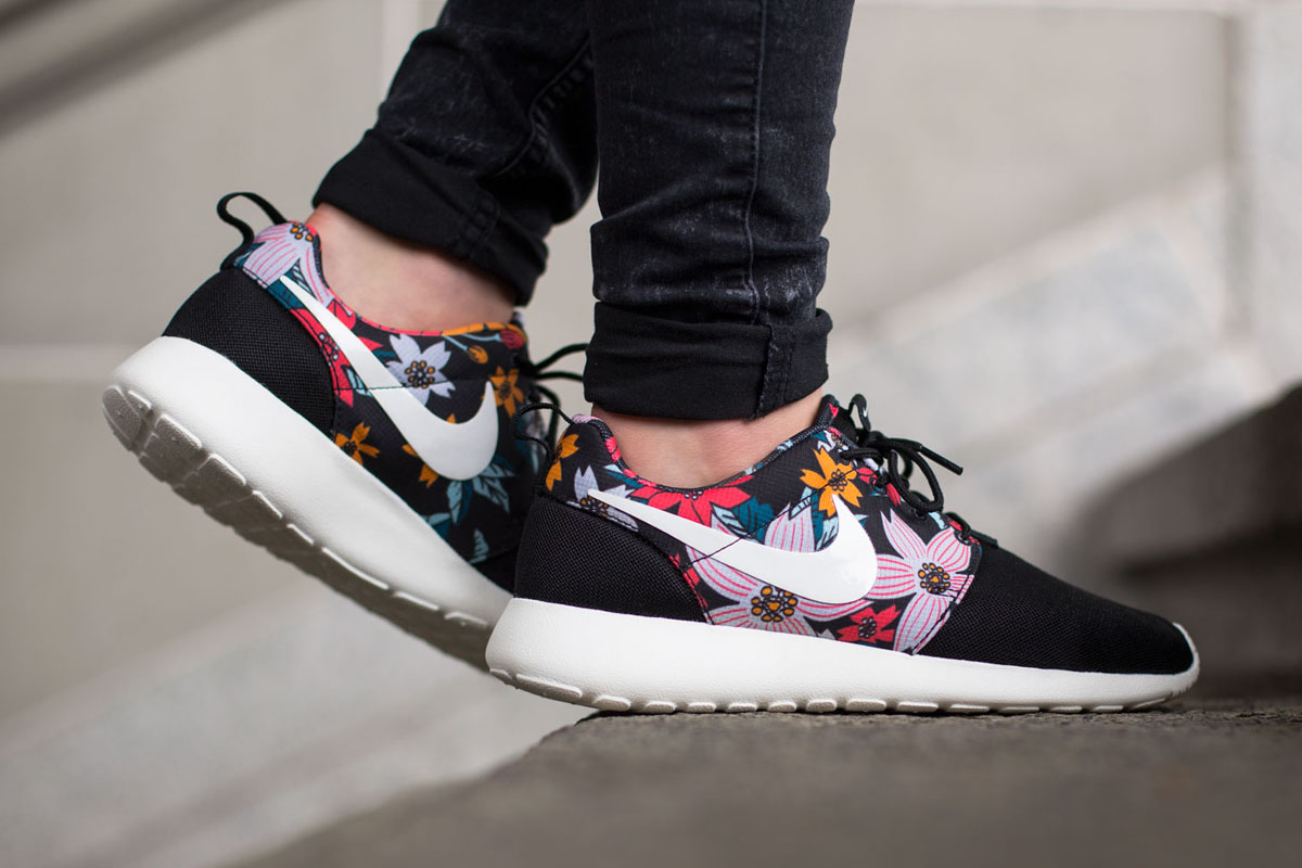 on sale ab990 d8add Nike WMNS Roshe One Print (Aloha Pack) - OG EUKicks Sneaker ...