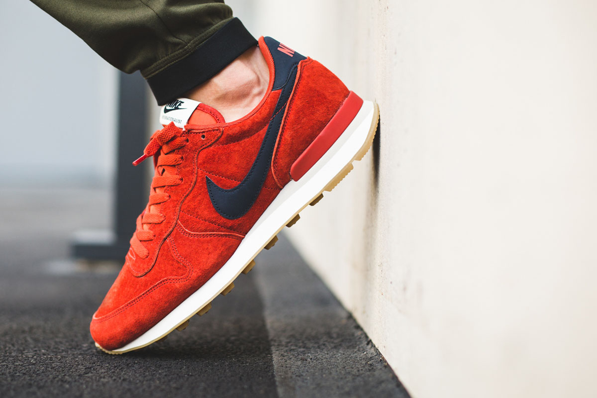 pretty nice 631da 269af nike internationalist leather cinnabar red