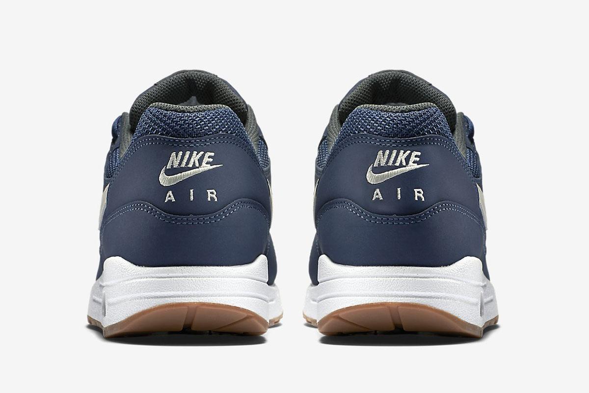innovative design c1dd6 4fb8f Nike Air Max 1 Essential