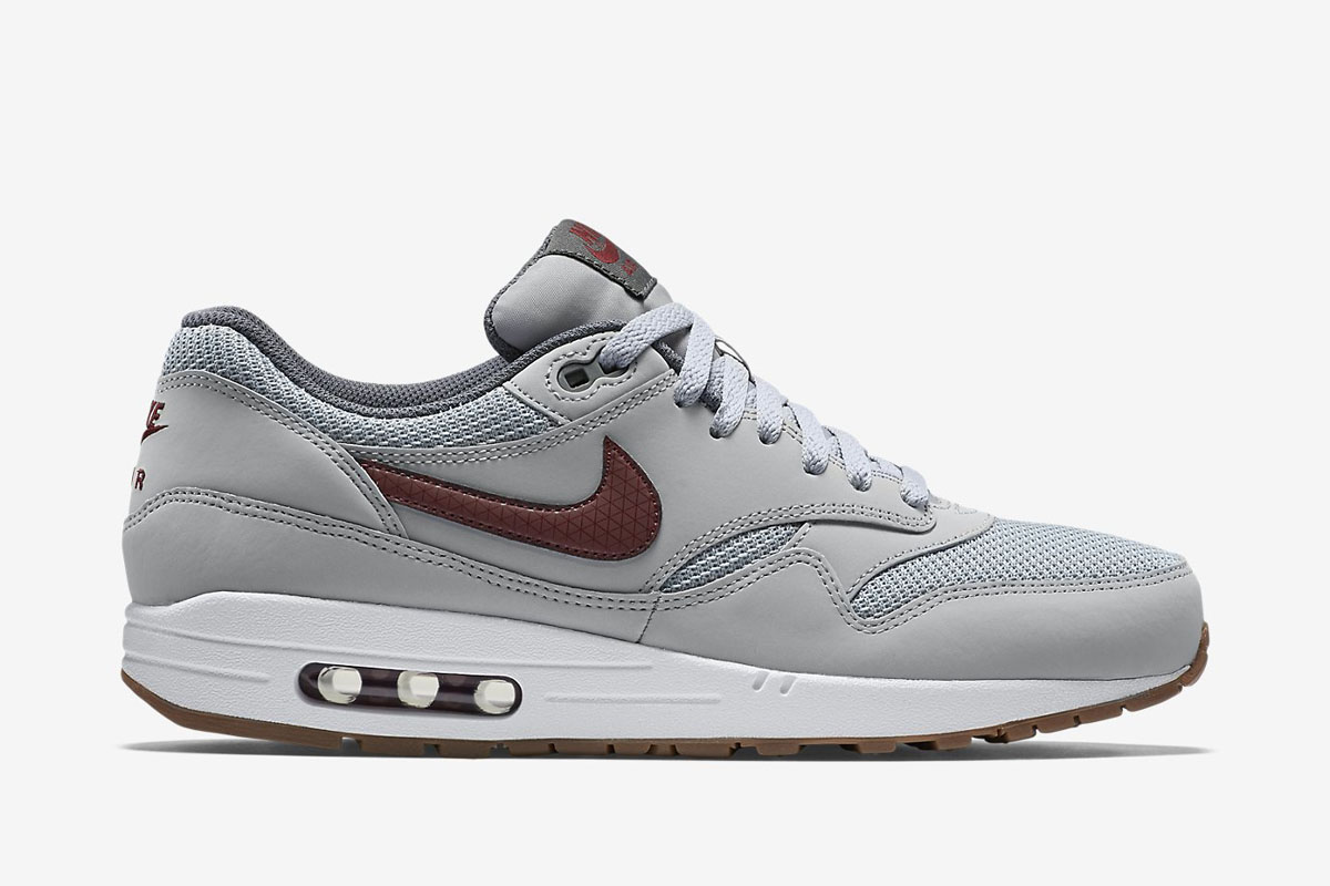 innovative design 80769 1a0e4 Nike Air Max 1 Essential