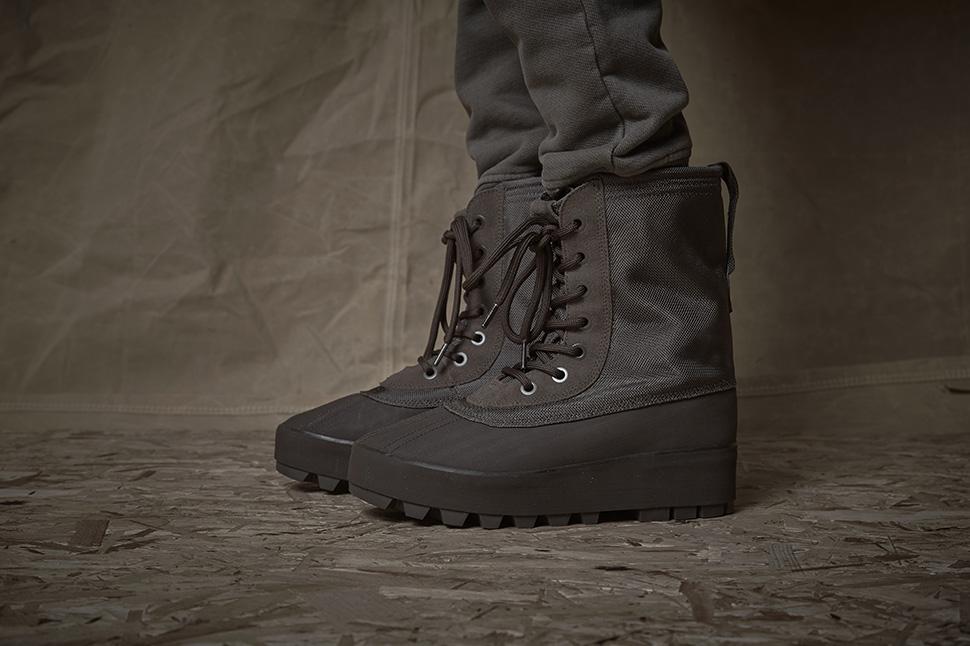 950 yeezy on feet