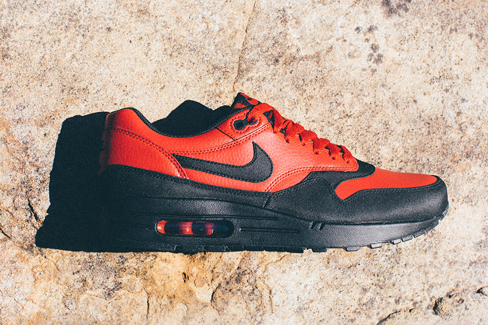 nike air max 1 black gym red & anthracite