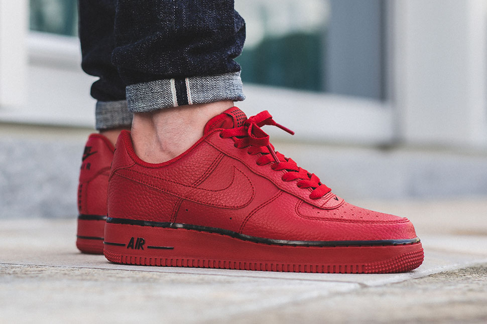 red air force 1 with stars
