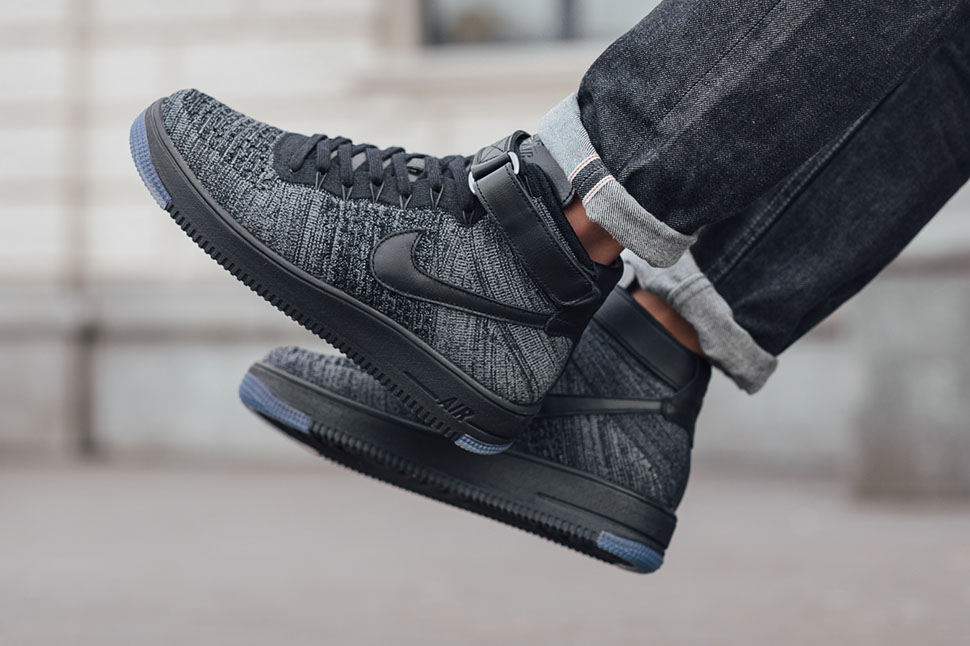 nike air force 1 flyknit mid black