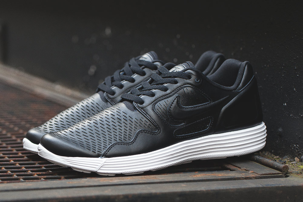 premium selection adc6a 5ee8f Nike Lunar Flow LSR Premium in Black   White - OG EUKicks Sneaker Magazine