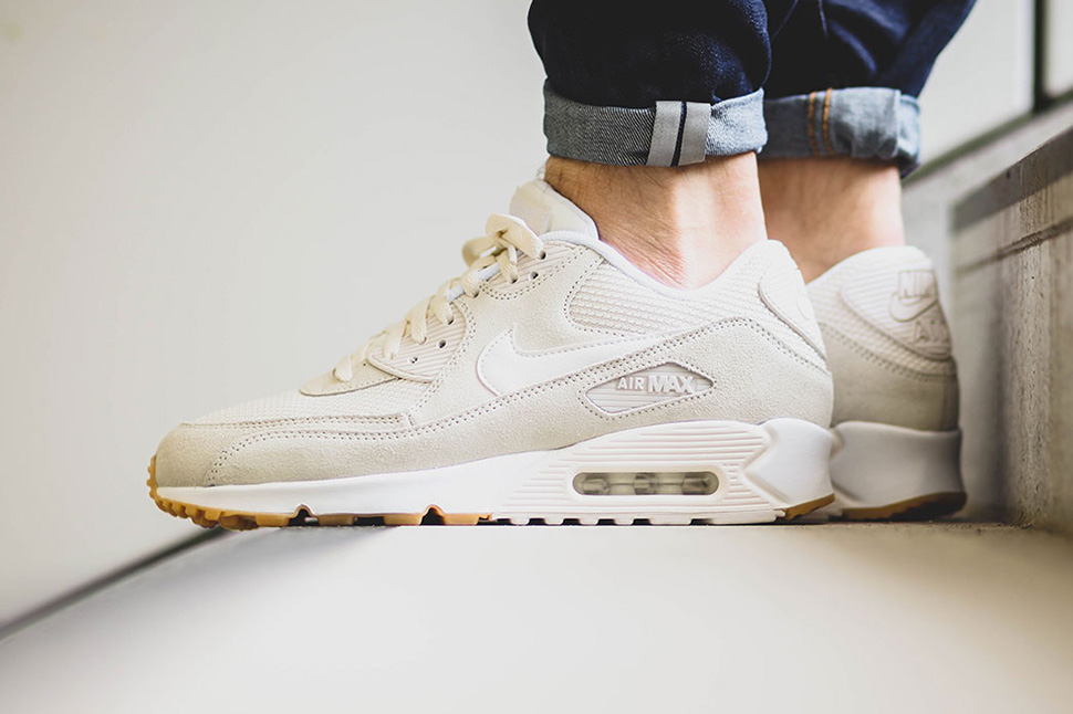 separation shoes 02af8 f799c Nike Sportswear Drops Two Air Max 90 Essential Colorways for August · Nike  Air Max 90 Essential