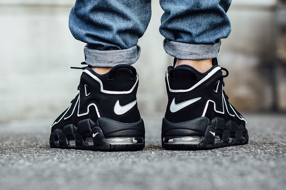 nike air more uptempo on feet