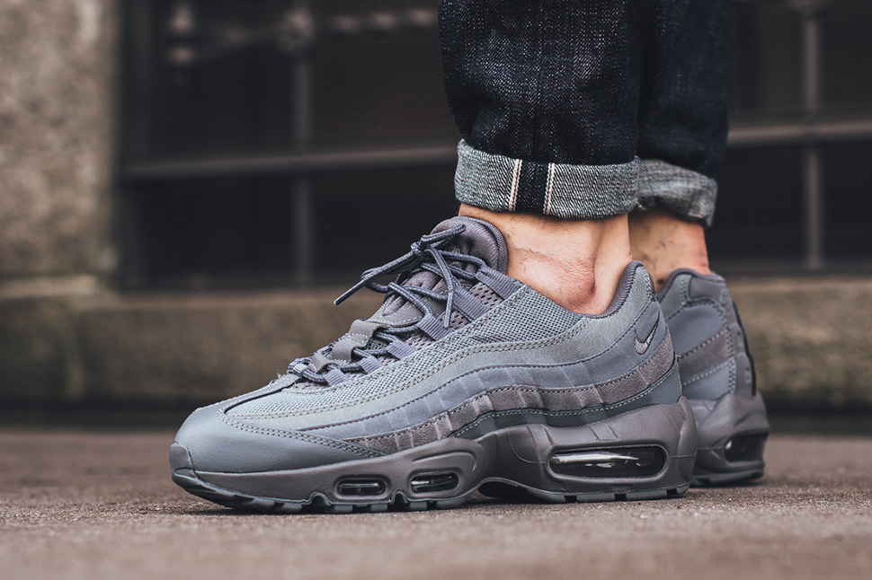 nike air max 95 essential grey and white