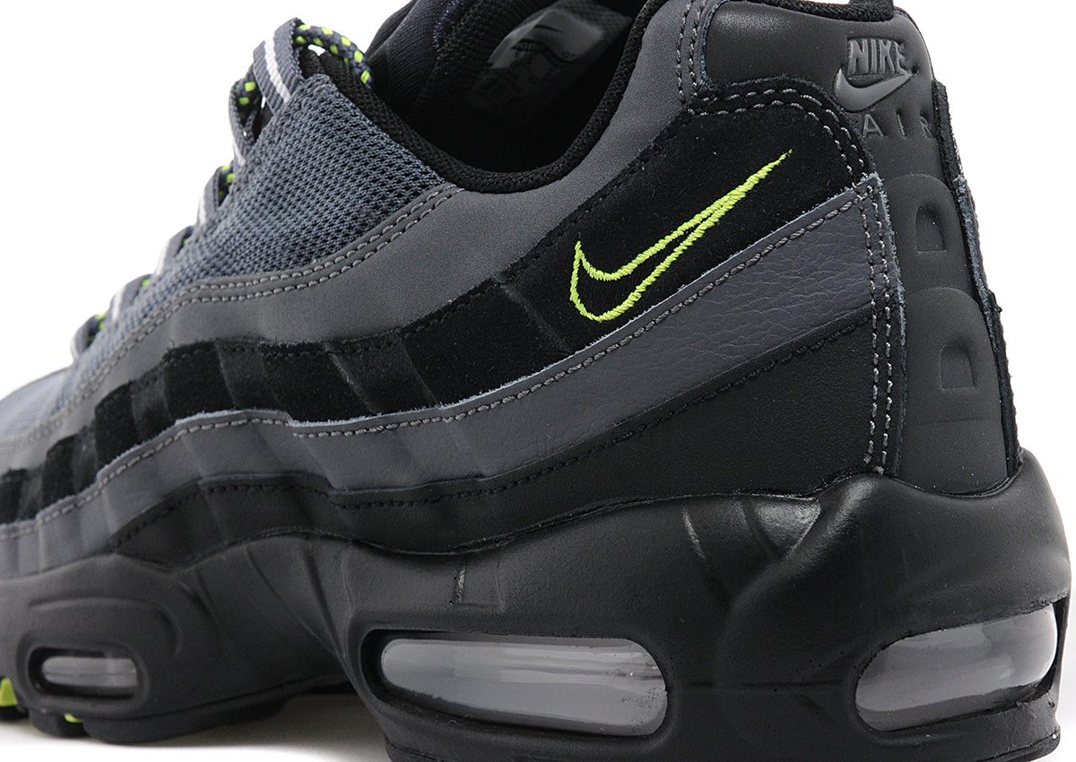 e4e497bc47 ... official store black and neon air max 95 nike 569ee 9bd0f