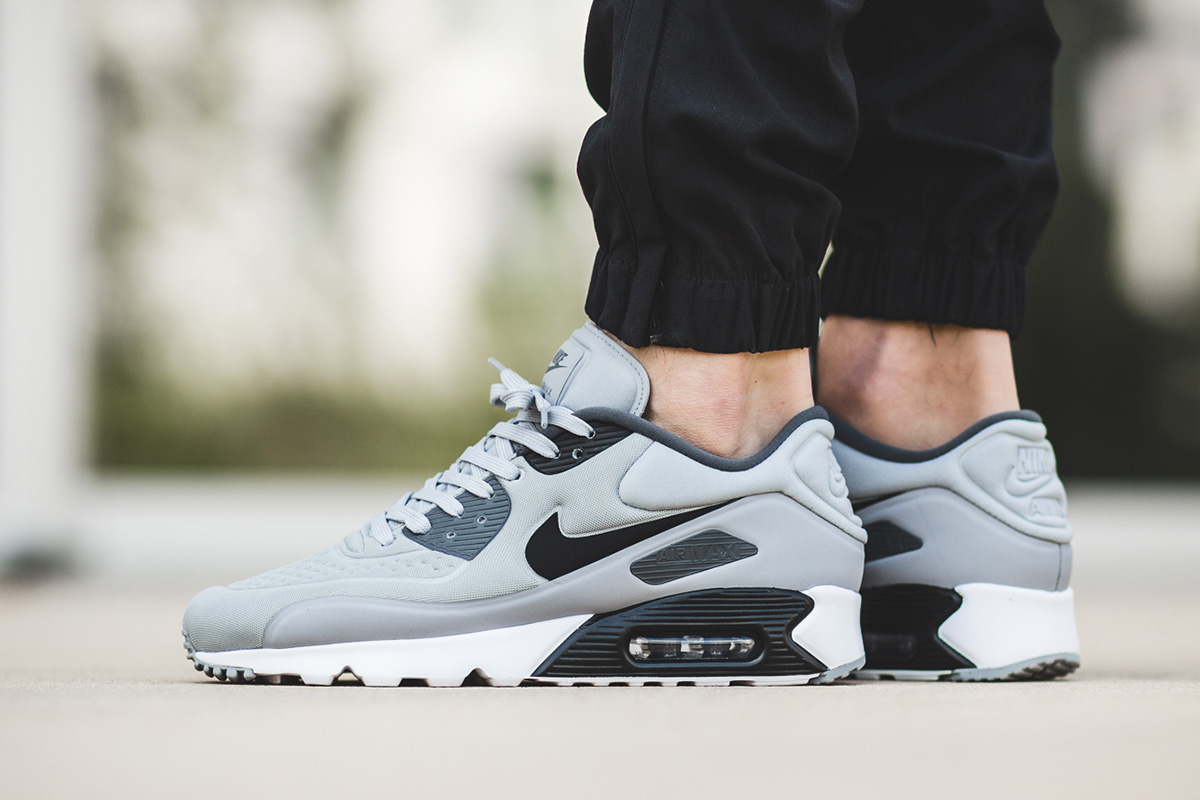605a93b044 ... netherlands nike air max 90 ultra se drops in black grey colorways  c36e7 2d732