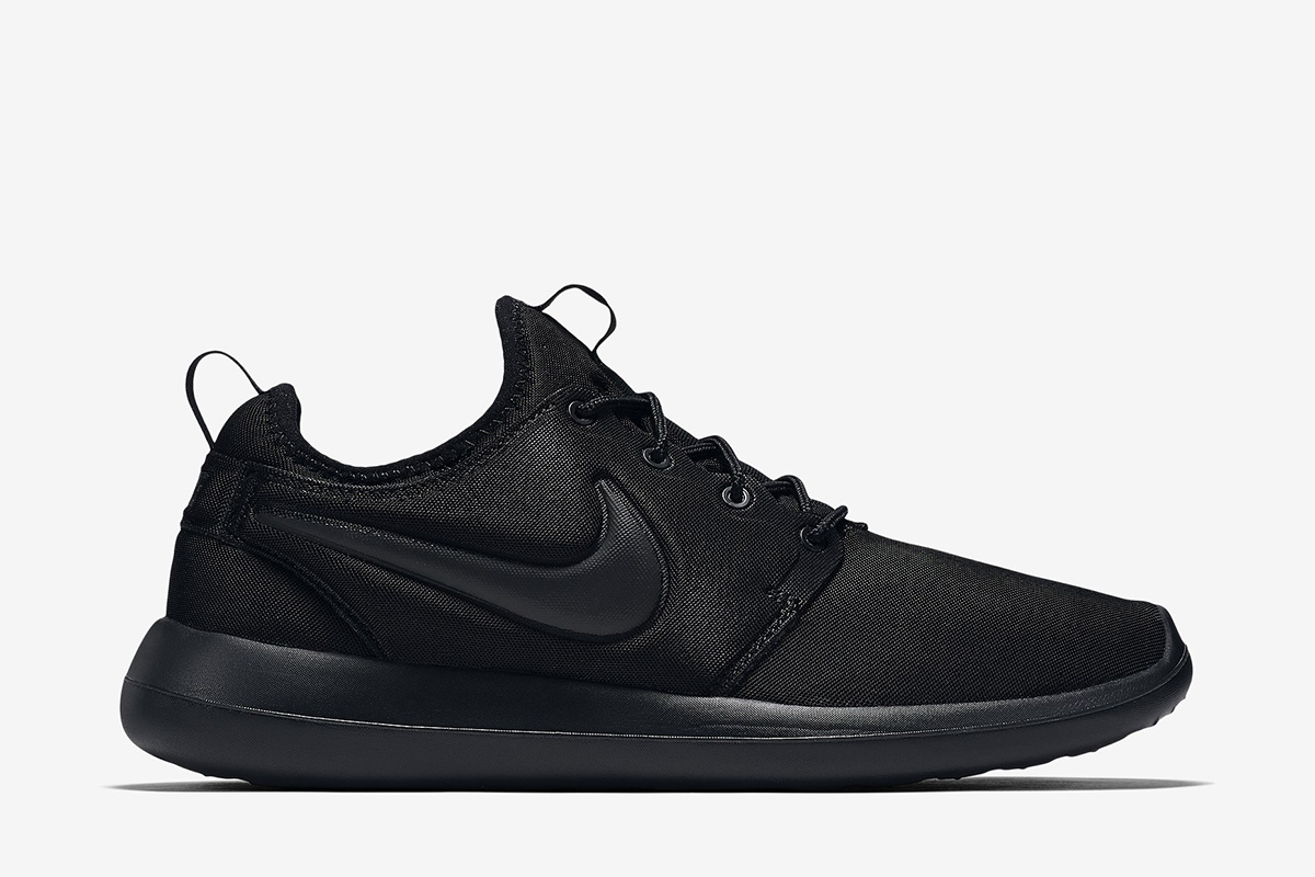 a6f59cfd27f7 roshe two triple black