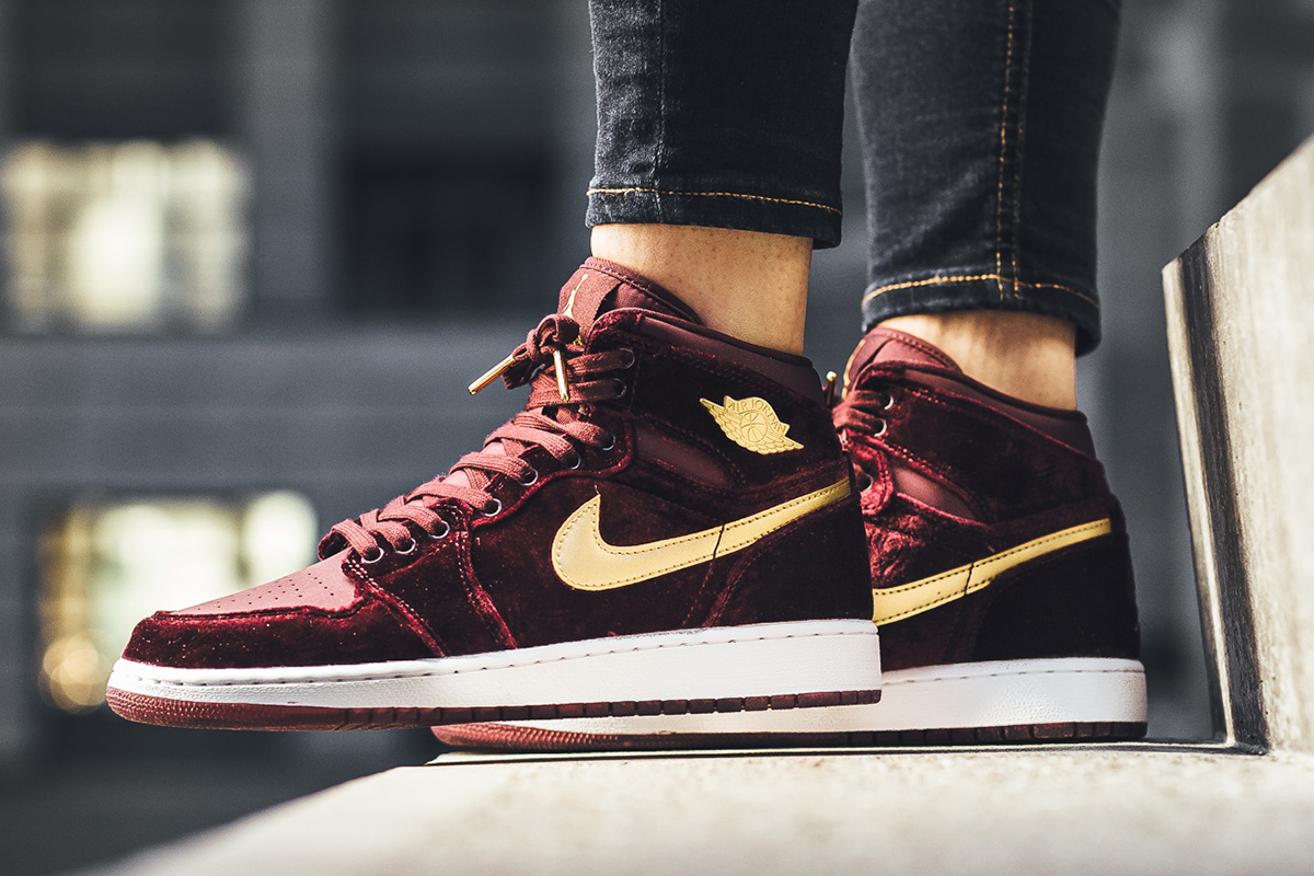 nike air jordan 1 retro high premium hc gg velvet shoes