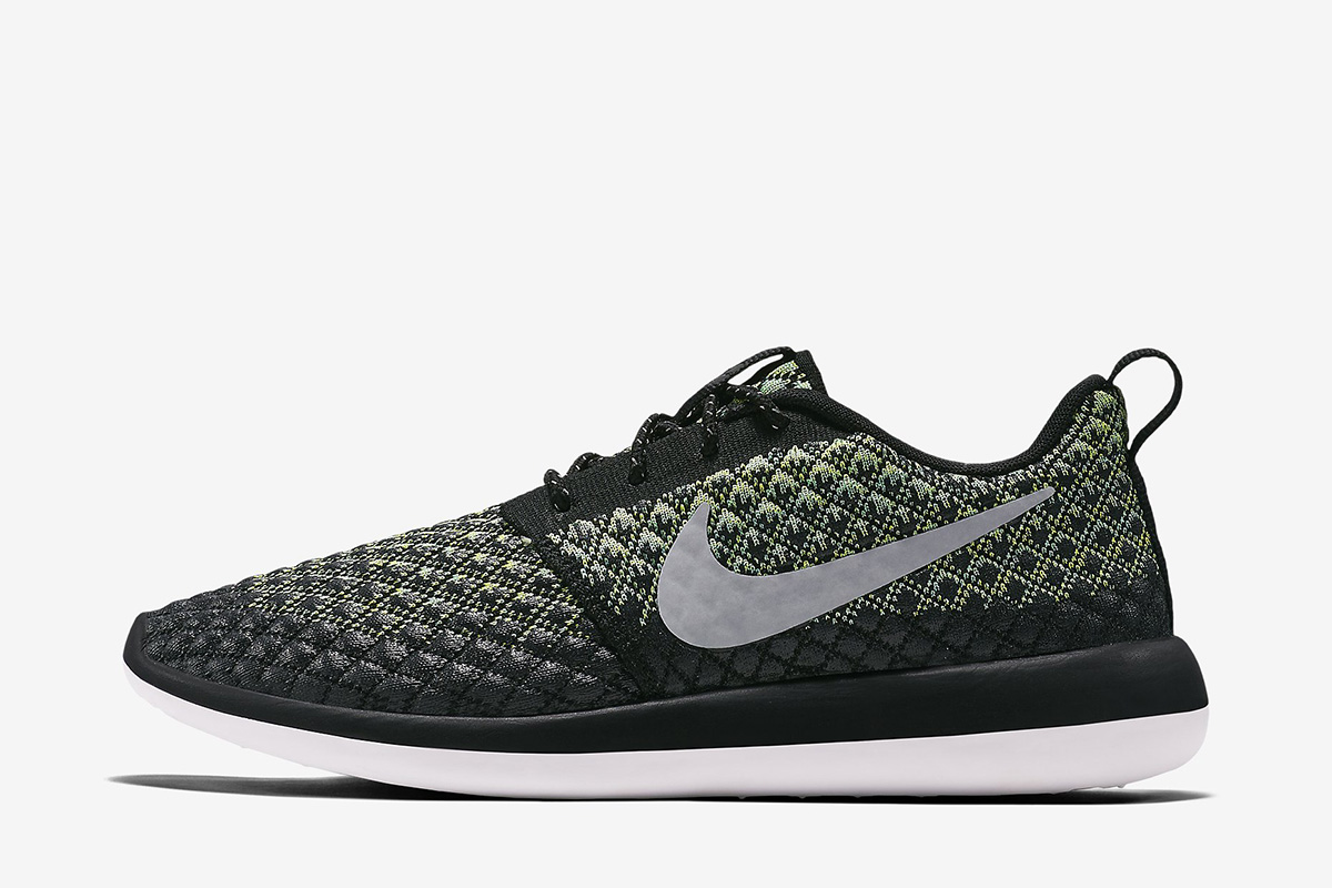 separation shoes 59d7b 2c0a0 Nike Roshe Two Flyknit 365