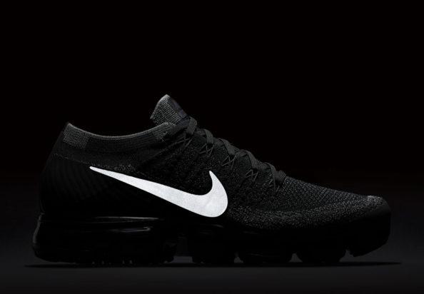 "wholesale dealer b20b9 c224a Nike Air VaporMax Flyknit ""Triple Black"""