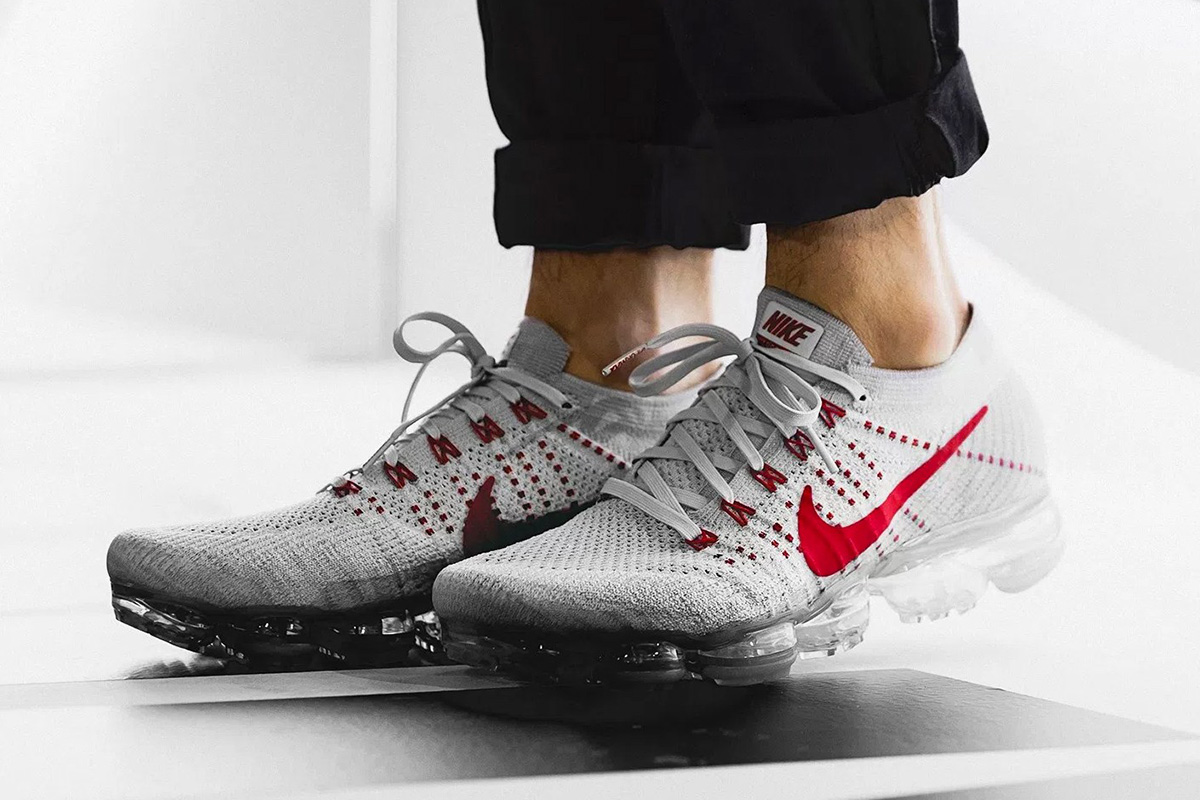 Nike Vapormax Platinum Red