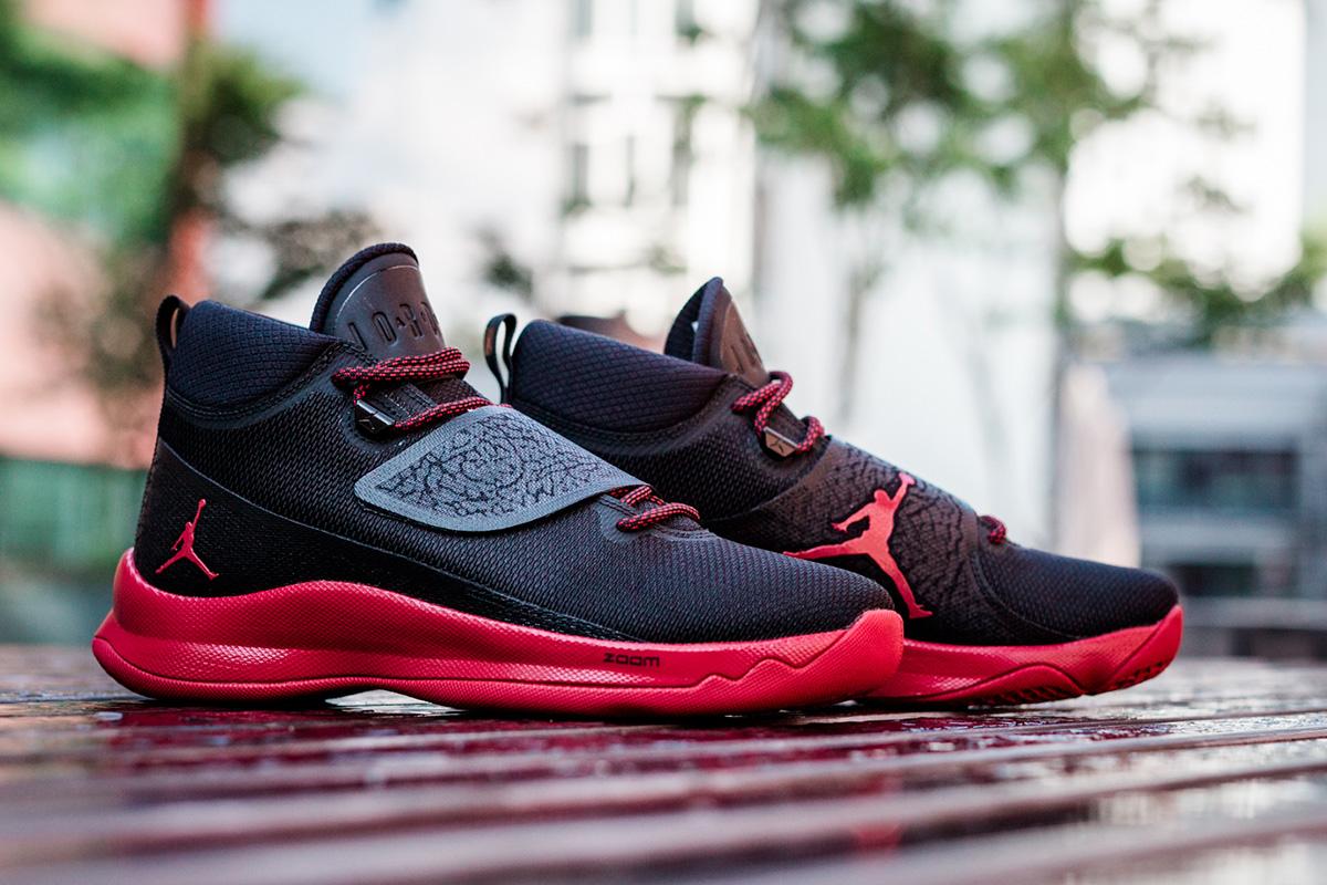 Jordan Super.Fly 5 Black Gym Red