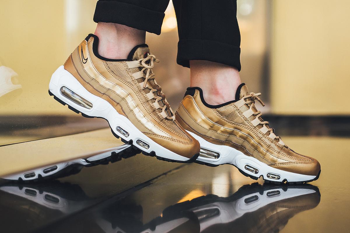 nike air max 95 gold on feet