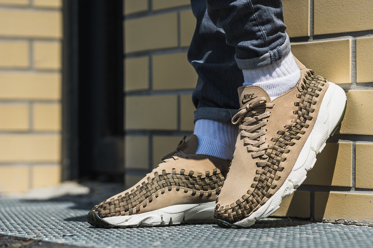 sale retailer b7dfd 7d5cf On-Foot Nike Air Footscape Woven NM