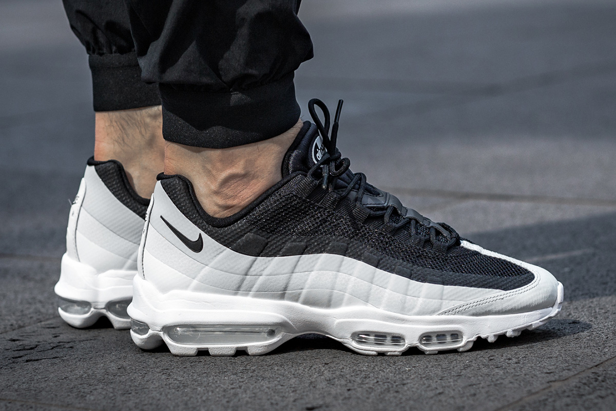 nike air max 95 ultra essential black/grey yeezy