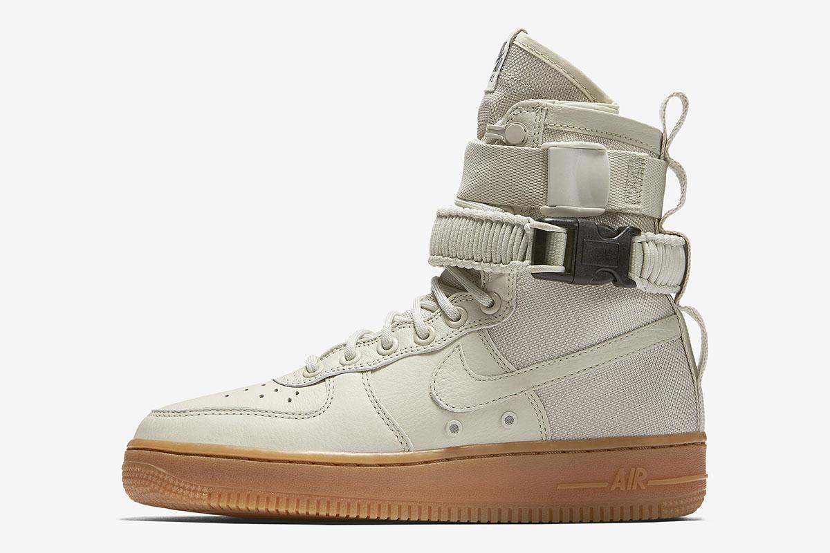 "Nike WMNS SF AF-1 ""Light Bone"""