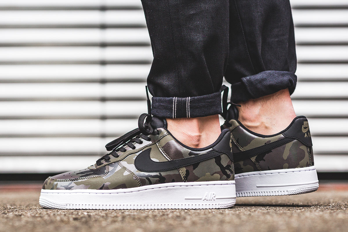 air force 1 07 lv8 nere e bianche
