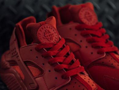 """Nike Air Huarache """"Varsity Red"""""""