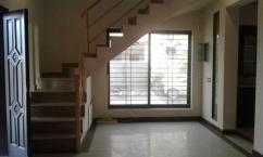 10 Marla 6 Bedrooms Triple Storey House For Rent Near Sethi Masjid