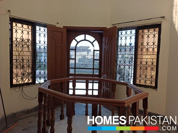 1 Kanal Upper portion available for rent Jinnah Road Gujranwala