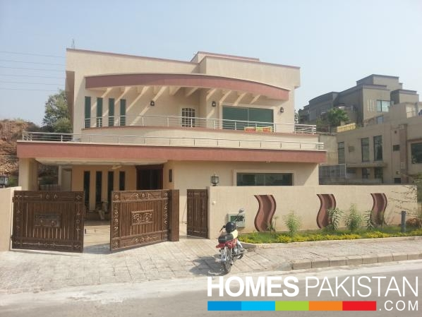 500 Sq Yard 6 Bedroom S House For Sale