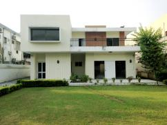 1200 Sq Yard 4 Bedrooms Excellent Location Bungalow For Rent in G-6/4