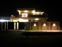 1 Kanal 5 Bedrooms Beautifully Located Bungalow For Sale In D Block