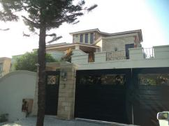 400 Sq Yard 4 Bedrooms Prime Location House For Rent Near Park And Market