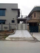 1 Kanal 3 Bedrooms Nice Location Upper Portion House For Rent